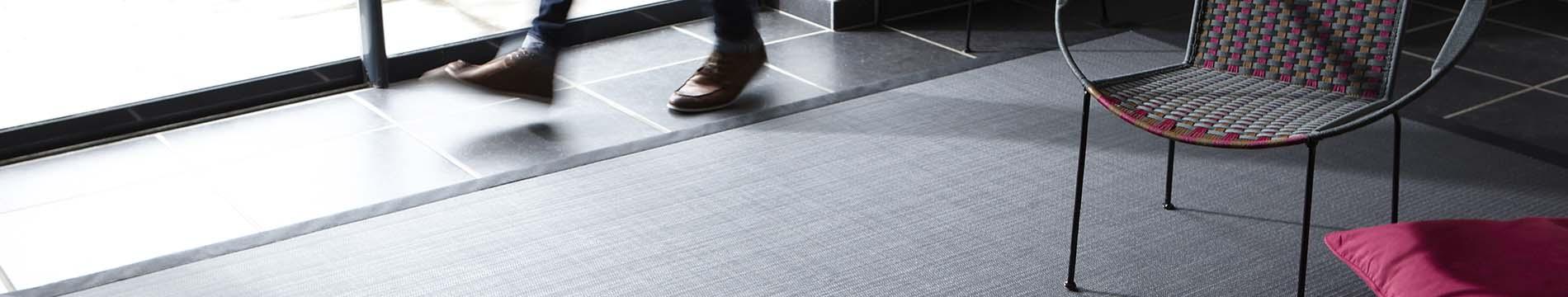 Un tapis rectangulaire en vinyle Dickson