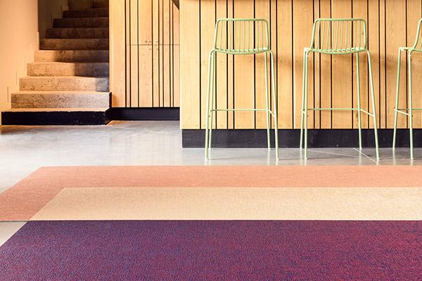 Gewebte Vinyl-Teppiche: eine moderne Designer-Kollektion