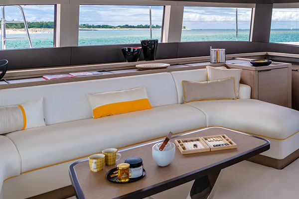 Tkaniny na siedziska i poduszki na jachtach