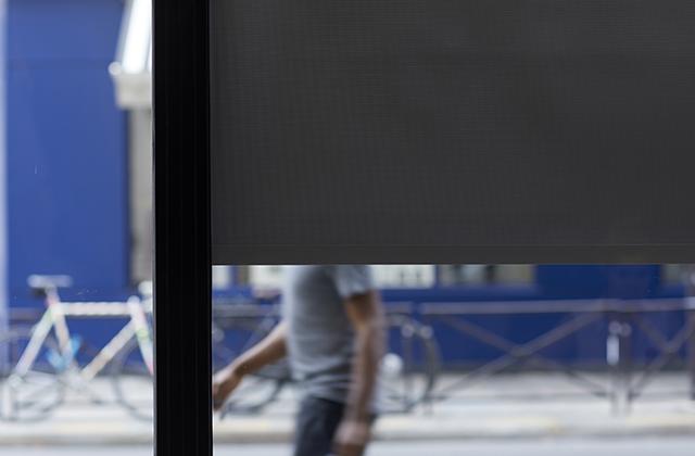 Sunworker Opaque : the 100% blackout screen fabric.